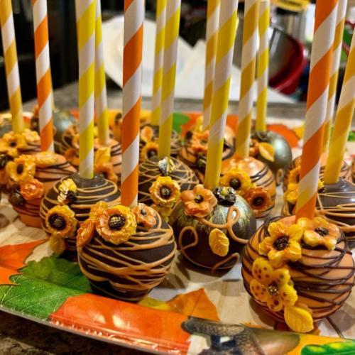 Fall Flower Cake Pops